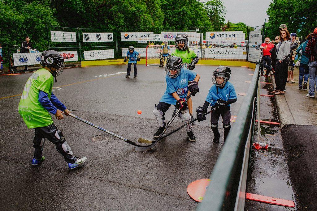 La communauté se rassemble pour le Tournoi Hockey de rue